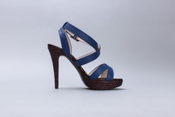 Højhælet sko
